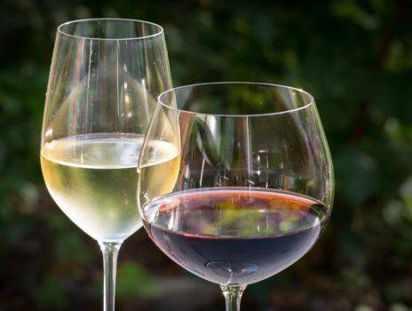 Der Hochheimer Weinprobierstand öffnet am 03. Juli mit Corona-Auflagen