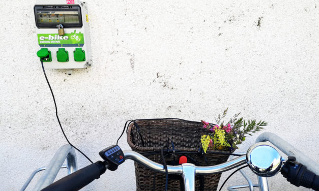 E-Bike-Ladestation am Altrhein