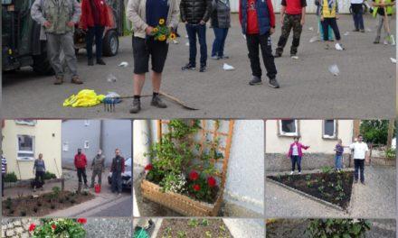 """<span class=""""entry-title-primary"""">""""Wir wollen Lörzweiler erblühen lassen!""""</span> <span class=""""entry-subtitle"""">CDU Lörzweiler pflanzt Blumen </span>"""