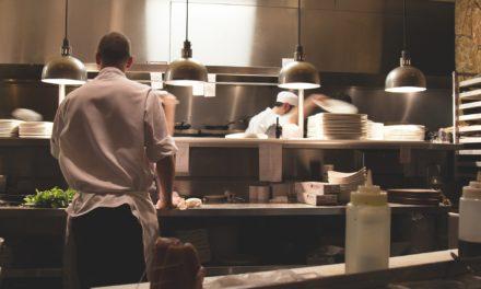 Öffnung der Gastronomie: Inhaber kooperativ bei der Beratung durch das Ordnungsamt