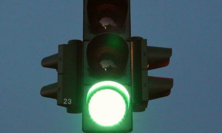 Ampel in Raunheimer Straße jetzt länger in Betrieb