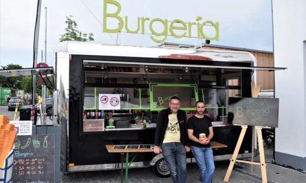 """<span class=""""entry-title-primary"""">Leckere Burger jetzt auch in Bodenheim</span> <span class=""""entry-subtitle"""">Rolf und Mark Schneider aus Lörzweiler werden mit ihrer Burgeria in Bodenheim sesshaft</span>"""