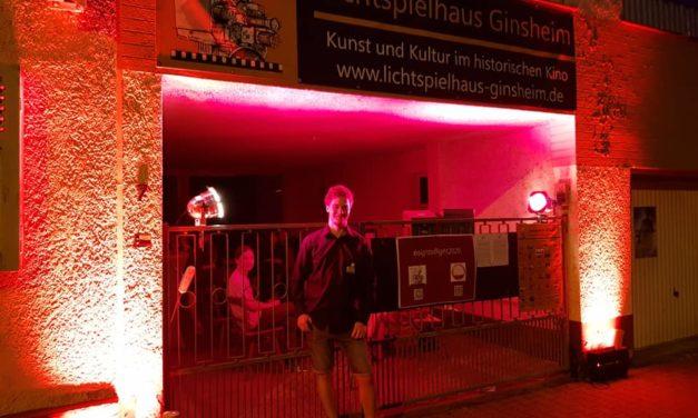 """""""Night of Light"""": Lichtspielhaus Ginsheim und Burg-Lichtspiele Gustavsburg in rotem Licht"""