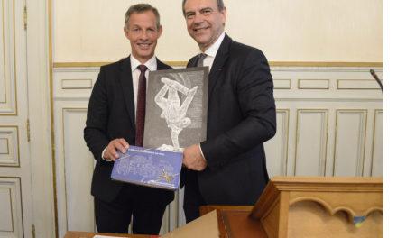 Oberbürgermeister Udo Bausch gratuliert Evreuxs Bürgermeister Guy Lefrand zur Wiederwahl
