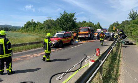 """<span class=""""entry-title-primary"""">Feuerwehr informiert</span> <span class=""""entry-subtitle"""">Schwerer Unfall auf der K822</span>"""