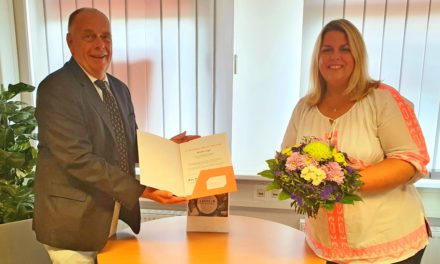 """<span class=""""entry-title-primary"""">Gesundheitsexpertin aus Hofheim und Frankfurt Höchst feiert Jubiläum</span> <span class=""""entry-subtitle"""">Kerstin Vogel von der DAK-Gesundheit seit 25 Jahren im Dienst</span>"""