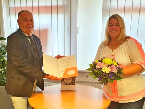 Gesundheitsexpertin aus Hofheim und Frankfurt Höchst feiert Jubiläum