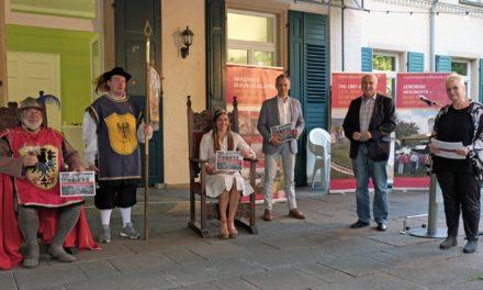 """<span class=""""entry-title-primary"""">""""Wenn Ritter Hundt die Stadt regiert – Das Niersteiner Winzerfest im Wandel der Zeit 1935-2020""""</span> <span class=""""entry-subtitle"""">Gelungene Buchvorstellung zum 85. Jubiläum des Winzerfests</span>"""