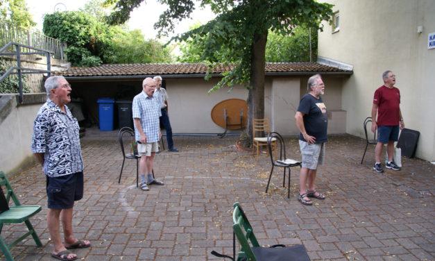 """<span class=""""entry-title-primary"""">Happy Voices des Gesangvereins Germania Bischofsheim unter neuer Leitung</span> <span class=""""entry-subtitle"""">Auch der Gemischte Chor probt wieder</span>"""