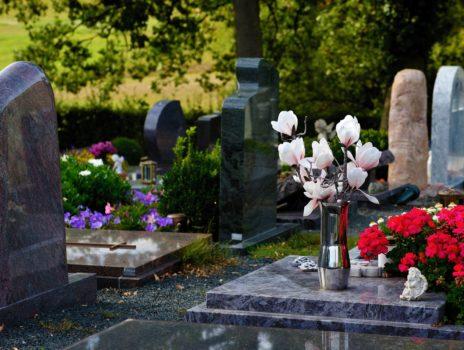 Friedhofsverwaltung informiert über Ablauffristen für Grabstätten