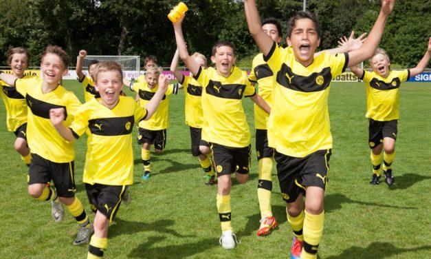 """<span class=""""entry-title-primary"""">Borussia Dortmund lässt Träume wahr werden</span> <span class=""""entry-subtitle"""">Fußballakademie des Bundesligisten bietet mit dem Herbstcamp eine Erlebniswoche</span>"""