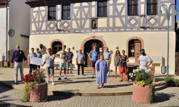 """<span class=""""entry-title-primary"""">3.033 € Spende an den Donnerclub</span> <span class=""""entry-subtitle"""">Heimat- und Verkehrsverein Nackenheim verkauft 2420 Flaschen Wein für den guten Zweck</span>"""