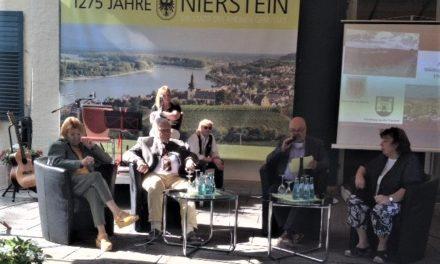 """<span class=""""entry-title-primary"""">30 Jahre Einheit – 30 Jahre Partnerschaft</span> <span class=""""entry-subtitle"""">Festveranstaltung von Geschichtsverein und Stadt Nierstein</span>"""
