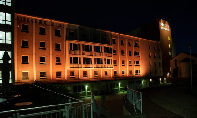 GPR Klinikum erstrahlt zum Welttag der Patientensicherheit in Orange
