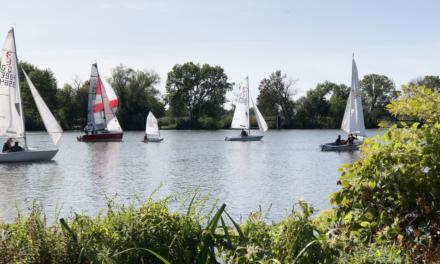 """<span class=""""entry-title-primary"""">Hochheimer Stadtmeisterschaft im Segeln</span> <span class=""""entry-subtitle"""">22 Boote trotzen dem Wind</span>"""