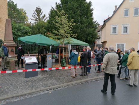 Platz am Röhrenbrunnen feierlich eröffnet
