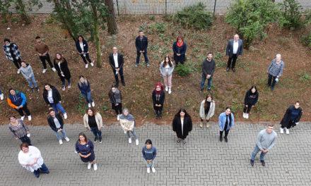 """<span class=""""entry-title-primary"""">Wir sind die Neuen am GPR Klinikum</span> <span class=""""entry-subtitle"""">GPR begrüßt 27 neue Auszubildende in der Fachschule für Pflegeberufe</span>"""
