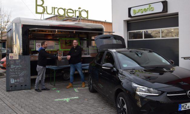 """<span class=""""entry-title-primary"""">Burgeria hat sich in Bodenheim etabliert</span> <span class=""""entry-subtitle"""">Rolf und Mark Schneider sagen Danke für die Unterstützung in dieser schweren Zeit</span>"""