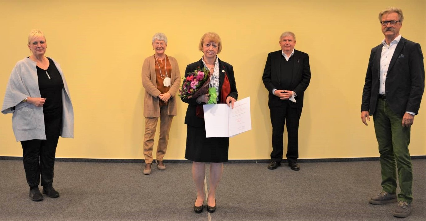 F 2010 Ehrennadel Rosemarie Brandl