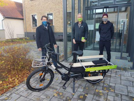 Lastenradspende von eprimo ergänzt Ausstattung der Stadtverwaltung mit Elektrorädern