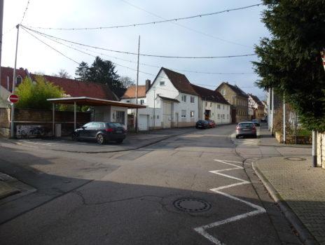 Dorfplatz, Gerätehalle, Sporthalle, KiTa und mehr