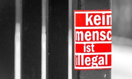"""<span class=""""entry-title-primary"""">Tag der Menschenrechte 2020</span> <span class=""""entry-subtitle"""">Debatte um Grund- und Menschrechte schließt Flüchtlinge aus</span>"""