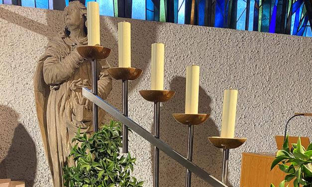 Neue Kerzenhalter für die Trauerhallen