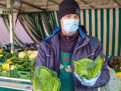 Wintervitamine direkt vom Feld: Wirsing auf dem Rüsselsheimer Wochenmarkt