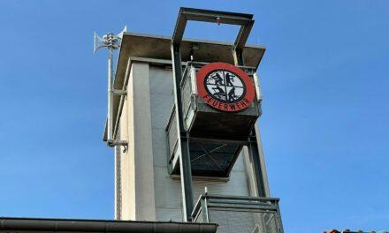 """<span class=""""entry-title-primary"""">Neue Sirene auf dem Feuerwehrturm</span> <span class=""""entry-subtitle"""">2021 werden alle Krifteler Sirenen auf digitale Technik umgestellt</span>"""
