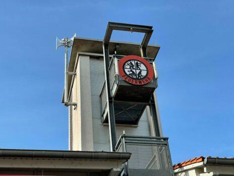 Neue Sirene auf dem Feuerwehrturm