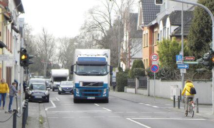 """<span class=""""entry-title-primary"""">Schwerlastdurchgangsverkehr in Laubenheim</span> <span class=""""entry-subtitle"""">Erhebliches Sicherheitsproblem in Oppenheimer Straße und Parkstraße</span>"""
