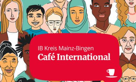 "<span class=""entry-title-primary"">Begegnung online schaffen</span> <span class=""entry-subtitle"">Podcast ""Café International"" gestartet</span>"
