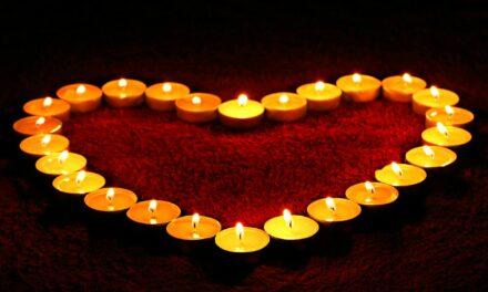 Trauerbeflaggung und Stadtgeläut zum Gedenken an die Corona-Toten