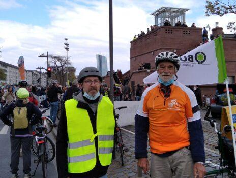 Mobilitätswende JETZT!: Erfreulich friedliche Rad-Demo in Frankfurt