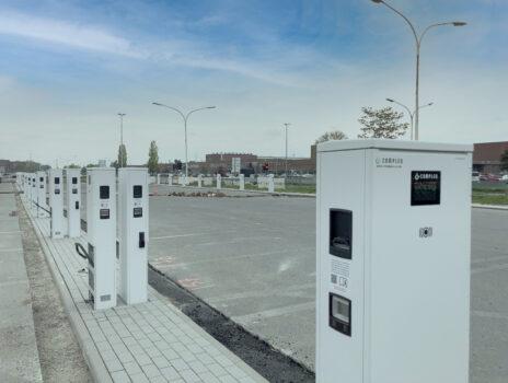 Electric City: Die ersten Ladesäulen stehen