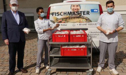 Firma Fischmaster aus Trebur spendet 150 Fischbrötchen an das GPR Klinikum