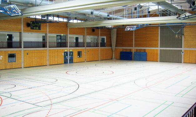 """<span class=""""entry-title-primary"""">Stauffenhalle fertig saniert</span> <span class=""""entry-subtitle"""">Wasserschäden am Boden und in Nebenräumen beseitigt</span>"""