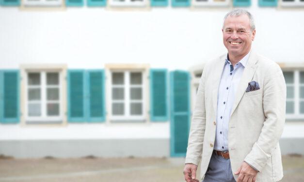 """<span class=""""entry-title-primary"""">Mit über 40 Projekten in zweite Halbjahr</span> <span class=""""entry-subtitle"""">Interview mit Dr. Robert Scheurer, Bürgermeister der Verbandsgemeinde Bodenheim</span>"""