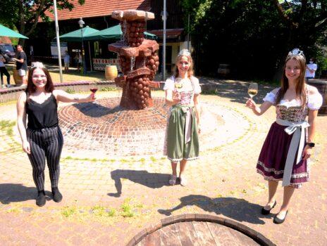 Kostheimer Weinprobierstand eröffnet