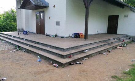 Wilder Müll an der Bonifatiuskapelle