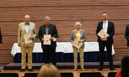"""<span class=""""entry-title-primary"""">Sport, Bürgerengagement, Katastrophenschutz</span> <span class=""""entry-subtitle"""">Fünf Bürger im Main-Taunus-Kreis mit dem Landesehrenbrief ausgezeichnet</span>"""