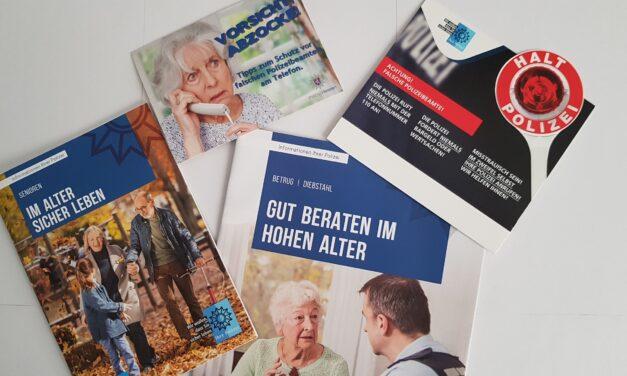 Gemeindepflegerin stellt Informationen für die Sicherheit älterer Menschen bereit