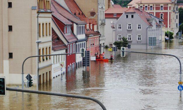 """<span class=""""entry-title-primary"""">Spenden für Opfer des Hochwassers</span> <span class=""""entry-subtitle"""">Kreis, Städte und Gemeinden rufen zu Unterstützung auf</span>"""
