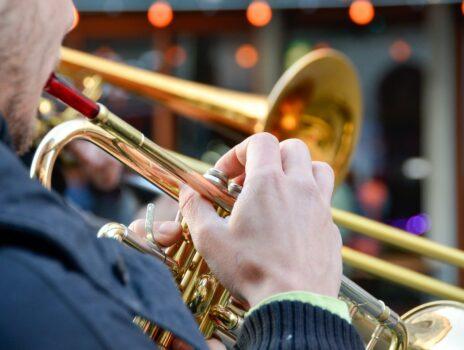 Musikverein spielt ein Platzkonzert