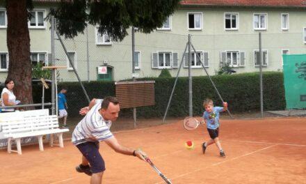 """<span class=""""entry-title-primary"""">TC Gustavsburg 1929 e.V. Kindertennis</span> <span class=""""entry-subtitle"""">Tennisspass mit Eltern und Kind Turnier </span>"""