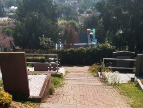 Auf ein Neues … 2. Treppenanlage auf dem Laubenheimer Friedhof wird erneuert