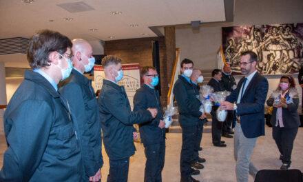 Feuerwehrkräfte für langjährigen Dienst und ehrenamtliches Engagement geehrt