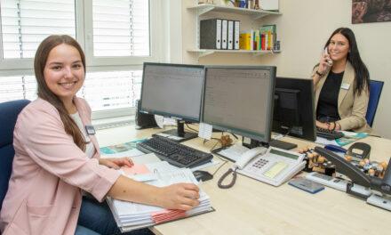 GPR Klinikum begrüßt neue Auszubildende zur Kauffrau im Gesundheitswesen
