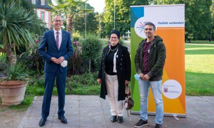 Krifteler Integrationslotse von Minister gewürdigt