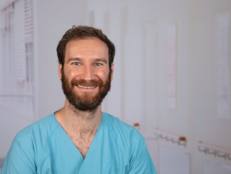 Orthopädische Klinik des GPR Klinikums wird durch neuen Oberarzt  Dr. Simon Schröder verstärkt